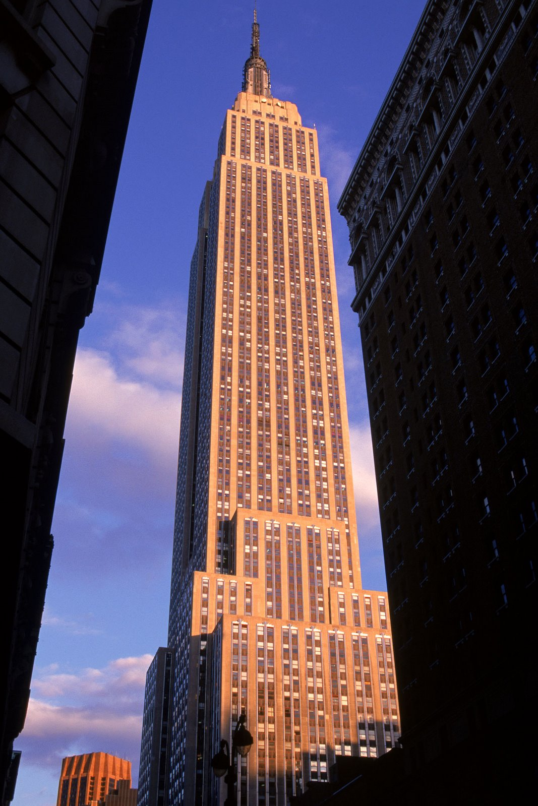 50 extraordinary photos of empire state building a new york treasure places boomsbeat. Black Bedroom Furniture Sets. Home Design Ideas